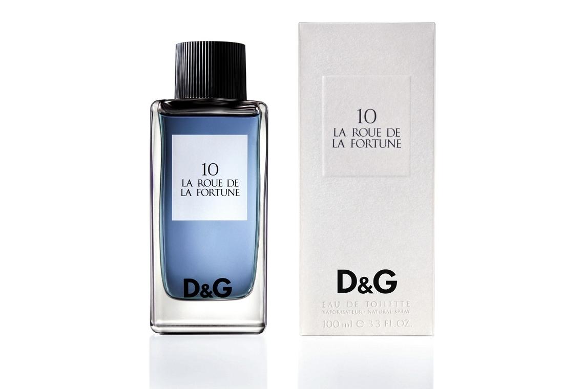 В рамках новой коллекции Fragrance Anthology бренд D&G представил новинку - D&G 10 La Roue de la Fortune. 10 La Roue de La Fortune ( Колесо Фортуны) аромат для дам и мужчин создан в 2009. Роскошная тубероза, гардения и жасмин в этом аромате красуются на базе из смелых нот бензоина и пачулей. Женственный и шикарный, этот аромат способен поражать и восхищать. Пикантность аромату придают древесные ноты.Ноты составляют: , мексиканская тубероза, жасмин, сиамский бензоин и лист пачули.