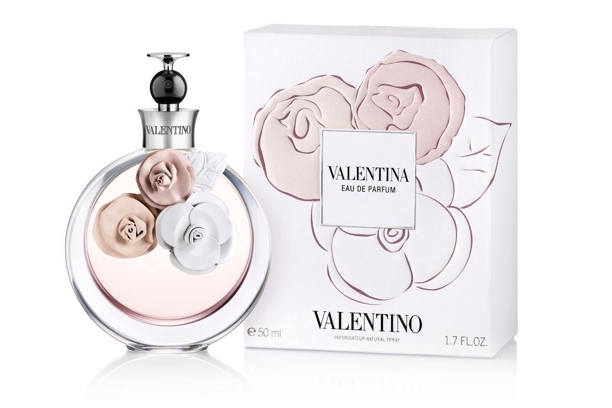 Восточный цветочный аромат Valentina Acqua Floreale от торгового дома Valentino создан для женщин в 2013 году. Автор парфюмерной композиции Olivier Cresp. Осовные ноты: бергамот, апельсиновый цвет, нероли, мимоза, тубероза, жасмин, пачули и амбра.