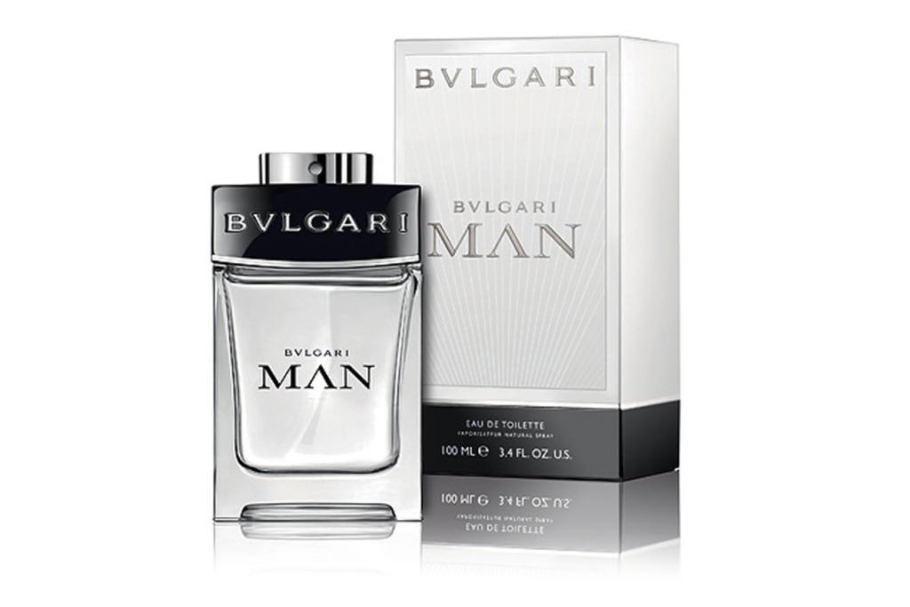 Мужской парфюм Bvlgari олицетворяет собой настоящее мужество, ответственность и респектабельность. Главные ноты аромата: свежий бергамот, белый лотос, ветивер, бархатная древесина, пряный мускус, белая амбра, сандал и душистый мед.