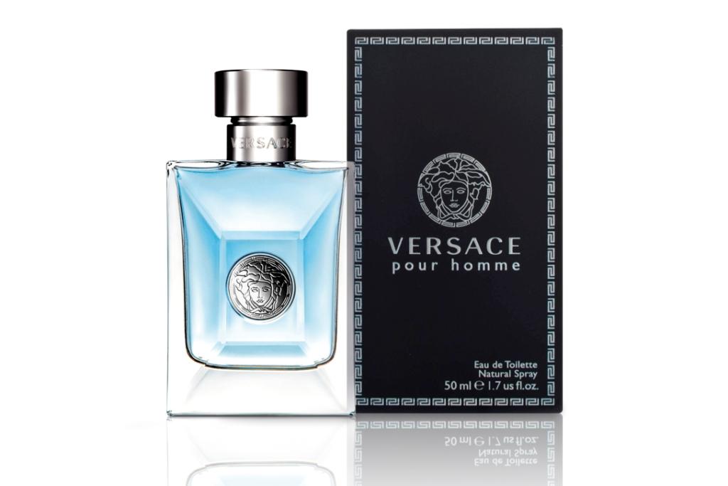 Парфюм Versace Pour Homme подчеркнет горячий, мужественный, сильный и решительный образ мужчины. Скорее элегантная недосказанность, притягательный шарм и утонченная чувственность. Для мужчины, который силен душой, свободен и знает, как наслаждаться жизнью, как бы выпивая ее небольшими глотками!