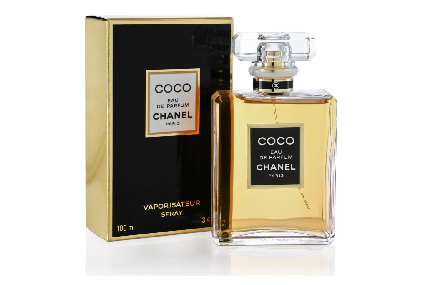 Coco CHANEL-удивляет свежестью и легкостью, отлично подходит для вечерних прогулок по парку теплым летним днем. Но холодной зимой и пасмурной осенью аромат проявляется ничуть не хуже. Таинственная и провокационная, Coco напоминает саму, божественную и недостижимую, Классика, проверенная временем.