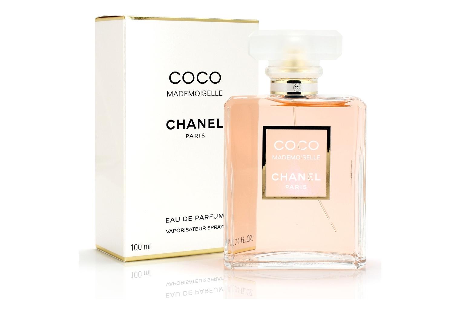 Сhanel coco mademoiselle-выражение женственности, искрящийся аромат, созданный для изящной и чувственной женщины. Аромат молодости и красоты, женственности и стиля, он пленяет, чарует и оставляет безоружным, позволяет женщине чувствовать себя красивой, уверенной и счастливой. Это воплощение женщины Chanel, которая благородна, изысканна, элегантна и оригинальна в своих поступках, позволяя продемонстрировать безупречный вкус и чувство прекрасного.