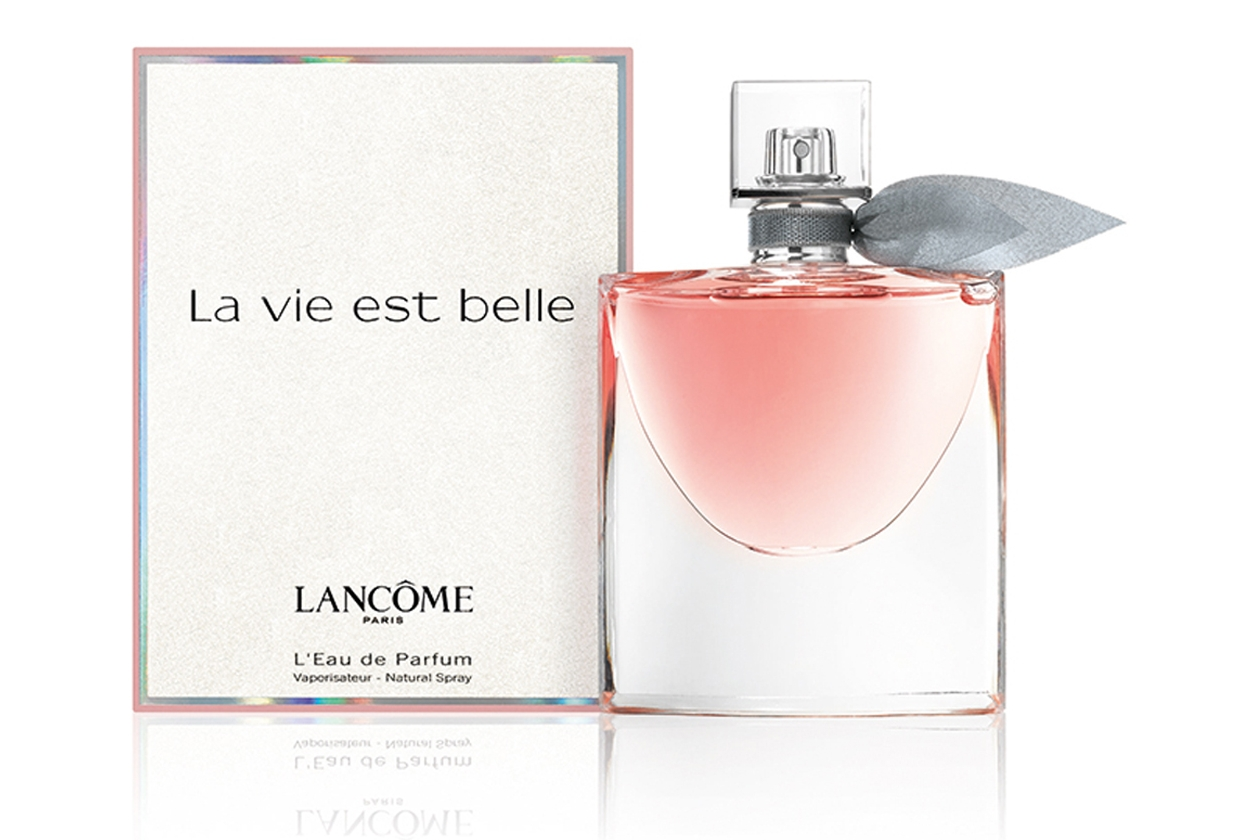La Vie Est Belle-интенсивные и насыщенные, более воздушные и прозрачные! Открывает новые грани счастья! В мгновение жизнь становится по-настоящему прекрасной!