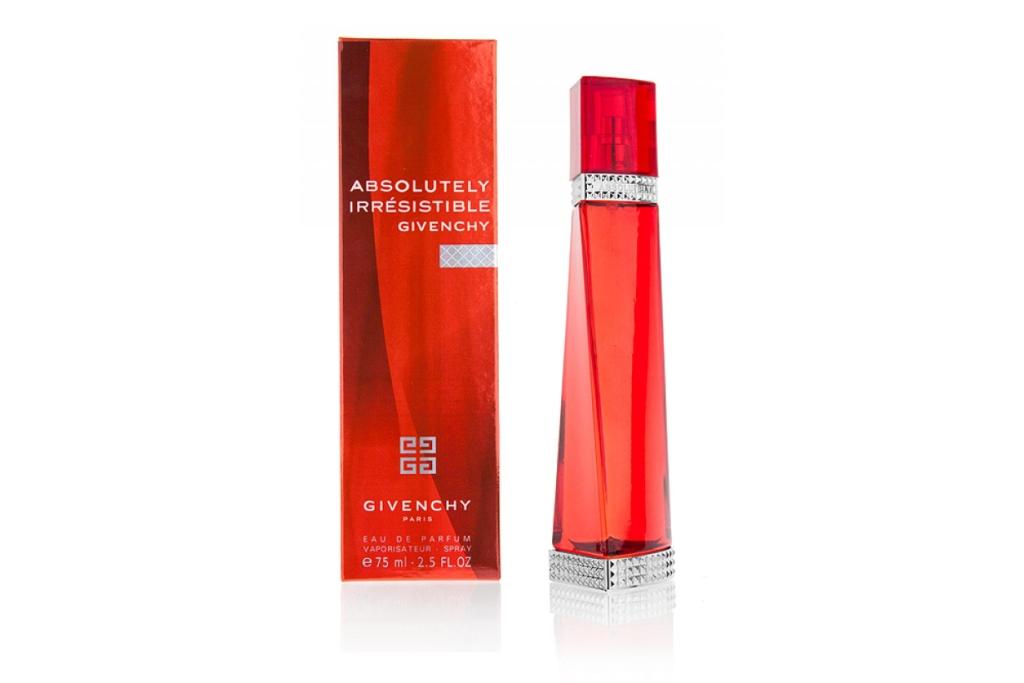 Духи «Absolutely Irresistible» от марки «Givenchy» из Франции для женщин. Относятся к типу ароматов цветочных. Духи «Absolutely Irresistible» были выпущены в 2008 году. Парфюмерная композиция включает: паприка, красные ягоды и мандарин. Средние ноты: гелиотроп, апельсиновый цвет и жасмин. Базовая нота: амбра, листья пачули и калабрийский кедр. Духи «Absolutely Irresistible» - это современный аромат от бренда «Givenchy». Лицом аромата стала известная модель Лив Тайлер. На рекламных снимках Лив Тайлер одета в привлекательное черное платье, фотографом выступила Лиз Коллинз. Аромат «Absolutely Irresistible» - цветочный и очень соблазнительный, благодаря своему ключевому ингредиенту - жасмину. Парфюм упакован в сексуальную красную бутылку, украшенную серебром и геометрическими мотивами, вдохновленную от кутюром, для настоящей женщины-вамп. Дизайн флакона выполнил дизайнер Riccardo Tisci.