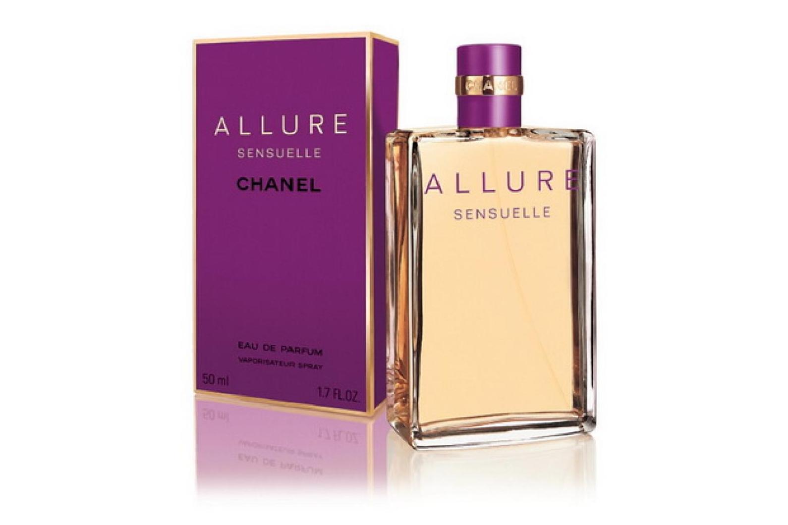Идеально-чувственный, нежный и сладкий, изысканно-пряный аромат парфюма, не оставит равнодушной ни одну женщину. Во-первых, он так же многогранен, как и его хозяйка, во-вторых он меняется вместе с ее настроением, в третьих, он дарит ей минуты настоящего чувственного наслаждения. Chanel Allure Sensuelle прекрасно подойдет и для романтичных ищущих натур, и для уверенных в себе бизнес-леди, и для дерзких модниц. Этот изысканный парфюм подкупает своей неоднозначностью: дополняет аромат, делая его таинственным.
