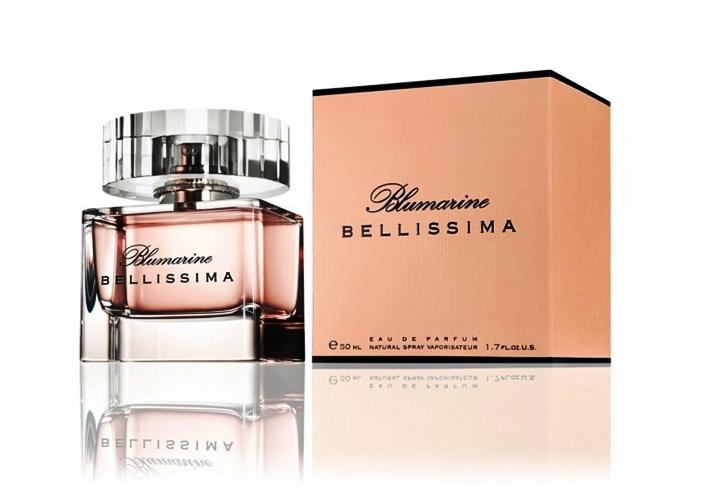 Blumarine Bellissima-посвящает свой новый аромат женщине, гармонии женственности, божественной природной красоте и красивой жизни. Это образ женщины-ребенка, который наивен, доверчив и прекрасен, как самый нежный цветок, прекрасное создание парфюмеров-Blumarine Bellissima