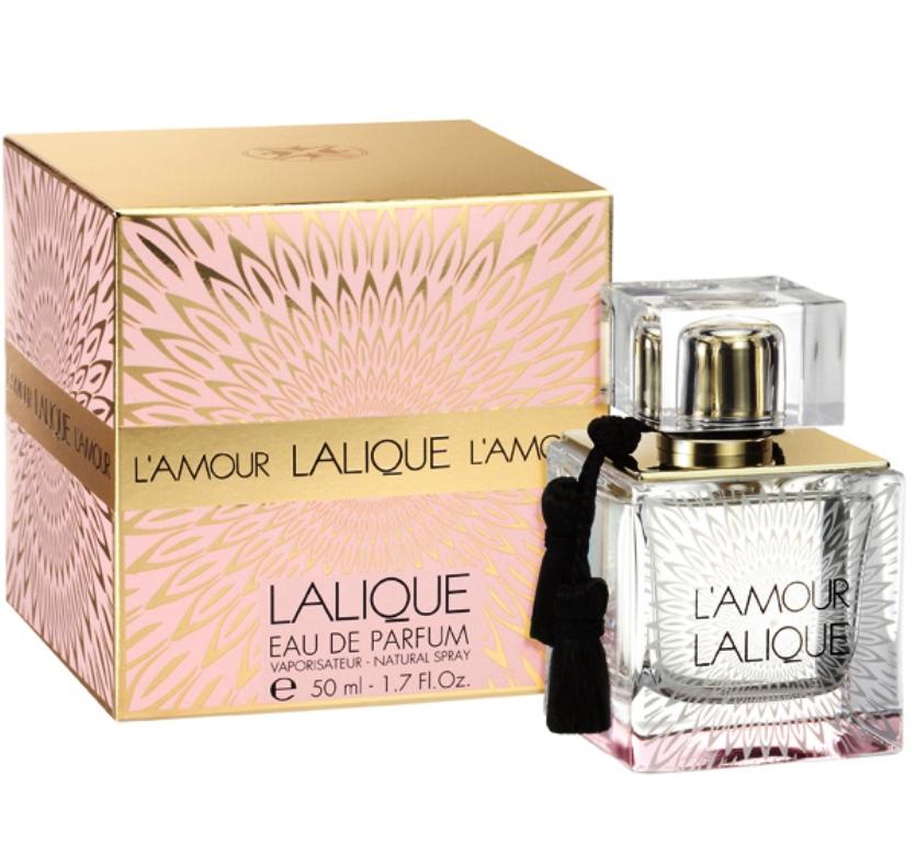 Lalique L amour - сексуальный, пикантный и не повторимый аромат, подойдет только тем женщинам, которые стремиться притягивать к себе окружающие взгляды, любят покорять мужские сердца и добиваться желаемого. Парфюм, непременно станет любимым, желанным,а владелица, недоступной и соблазнительной, к  которой будут стремиться мужчины.