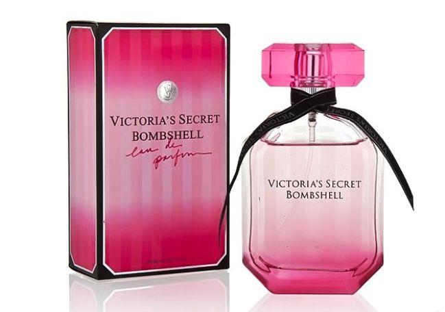 Описание:Victoria s Secret Bombshell-данный аромат, несет в себе скрытую бомбу! Сексуальности, радости ну и кочечно-же, приятный, лучезарный, ароматный букет позитива! Идеально подойдёт, всех Дамам-Леди-Сеньёритам.