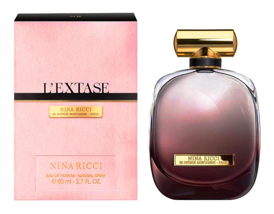 L'Extase – одновременно и нежный, и страстный аромат. Он неудержимо притягивает, но в тот же момент создает ауру недоступности. Специально для новых духов был разработан сиреневый флакон, призванный передать ощущение интимности, намекая на личное пространство женщины. В парфюмерной композиции  Nina Ricci  Nina L`Extase различают два основных аккорда: первый состоит из нот белых лепестков, розы и розового перца, а второй - более чувственный и тёплый - из сиамского бензоина, виргинского кедра, мускуса и амбры.